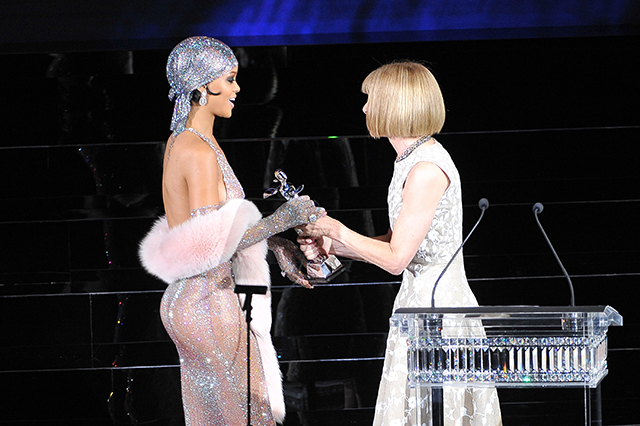 Fashion Icon award recipient Rihanna and Anna Wintour