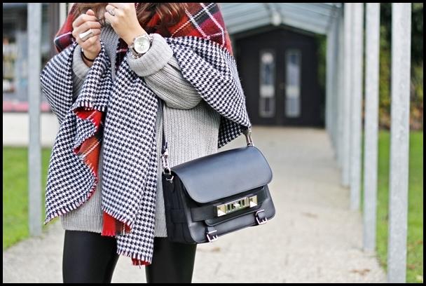 LOVE BLOG: Пуловер и пончо в стилна есенна хармония