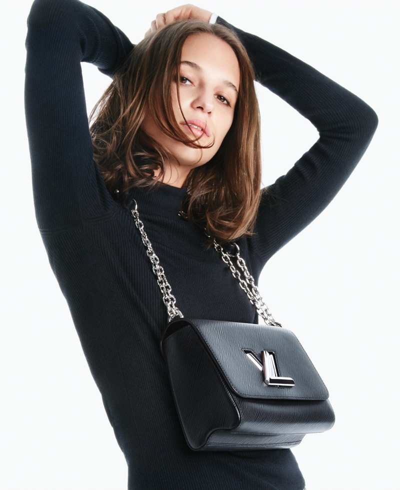 Alicia-Vikander-Louis-Vuitton-2016-Handbag-Campaign01