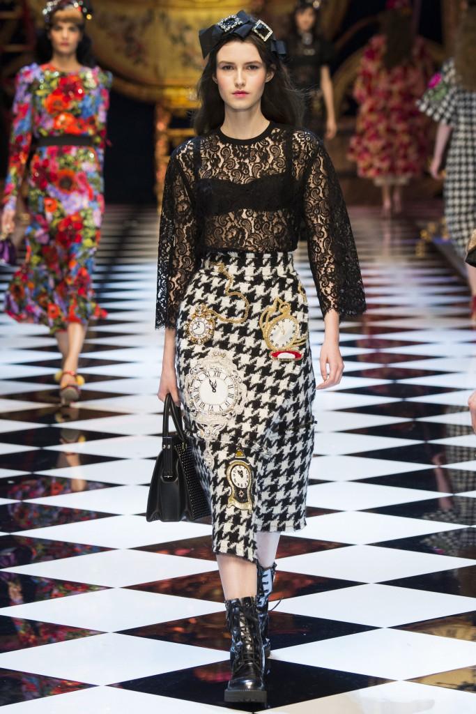 Dolce-Gabbana-Fall-2016-2017-5-683x1024