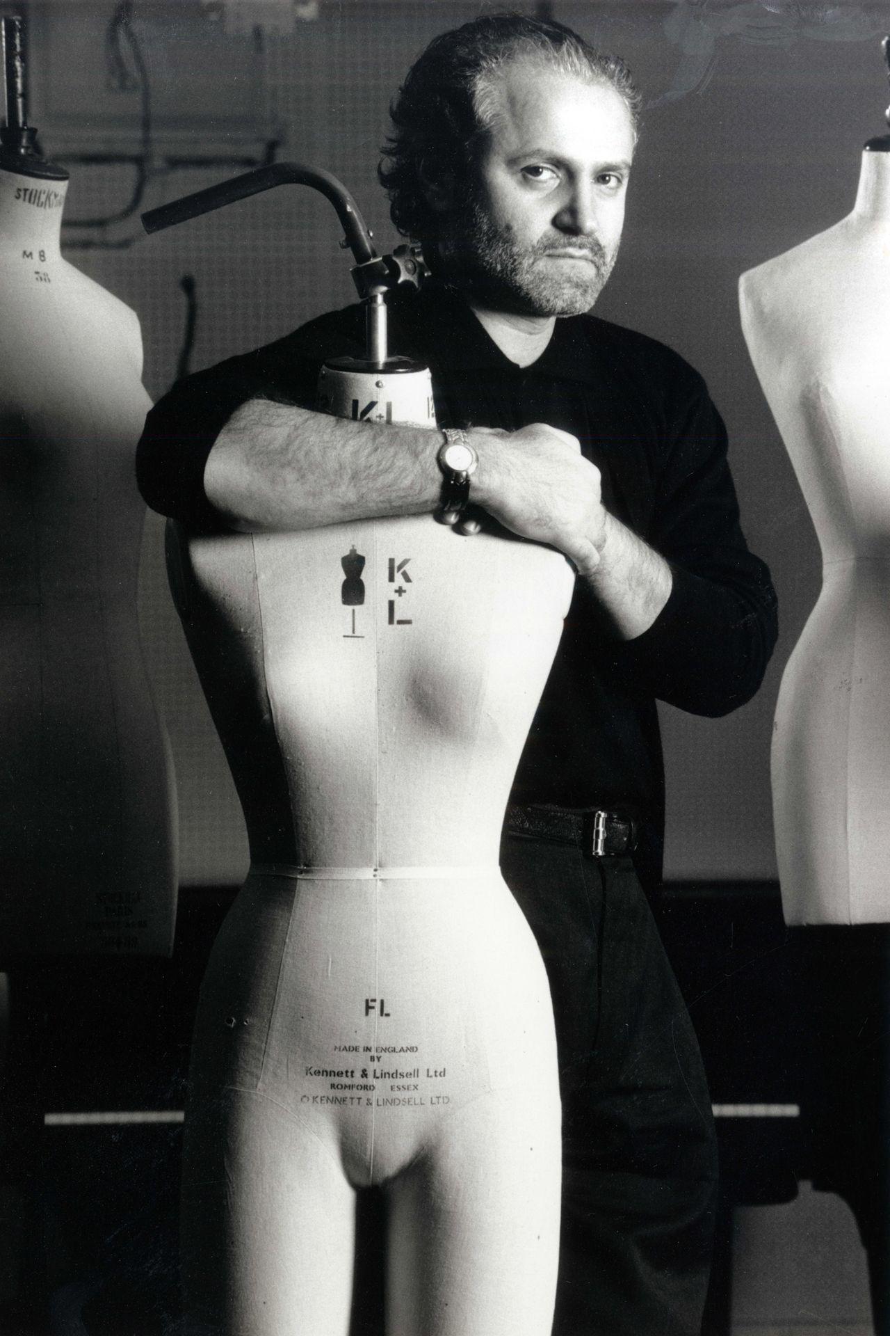 Gianni-Versace_In-Memoriam (1)