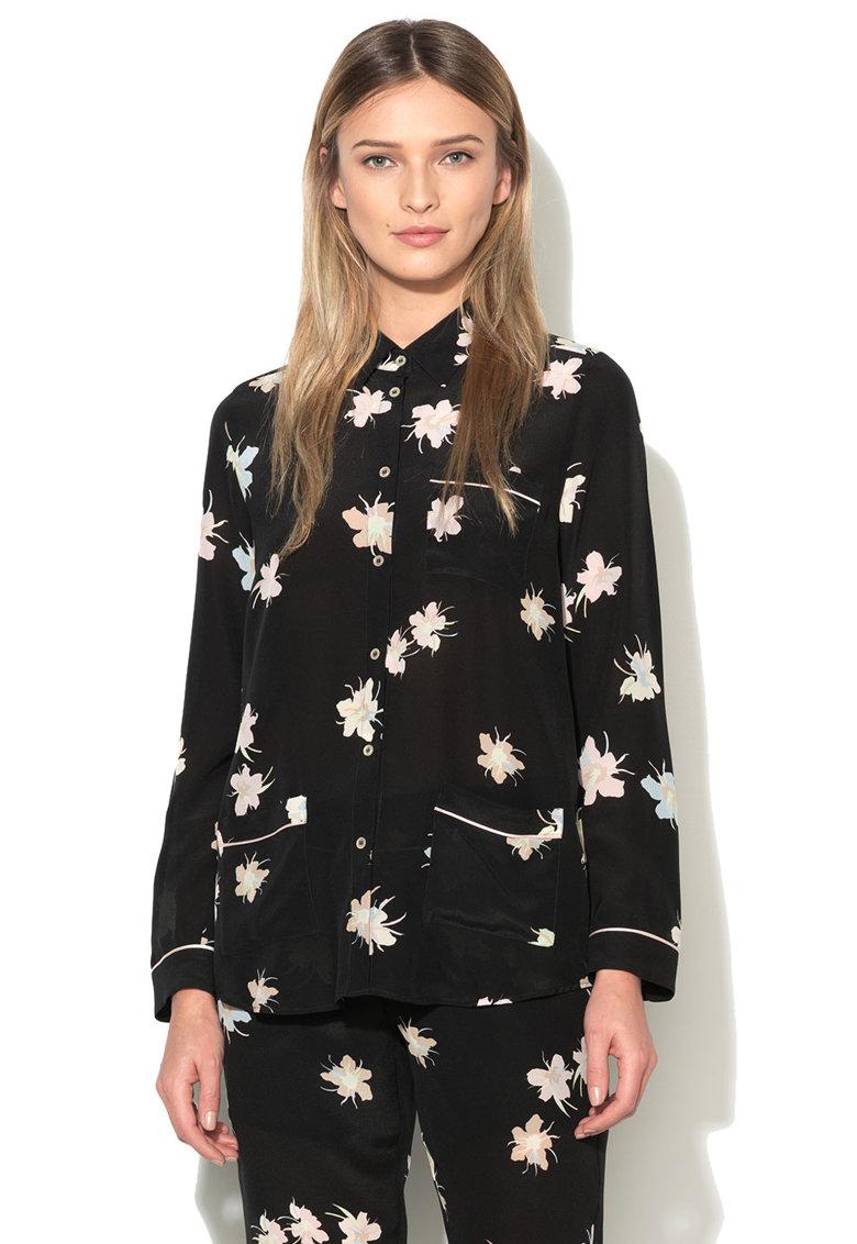 риза с флорален десен