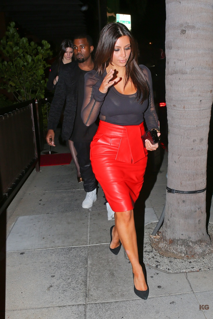red-leather-skirt-4