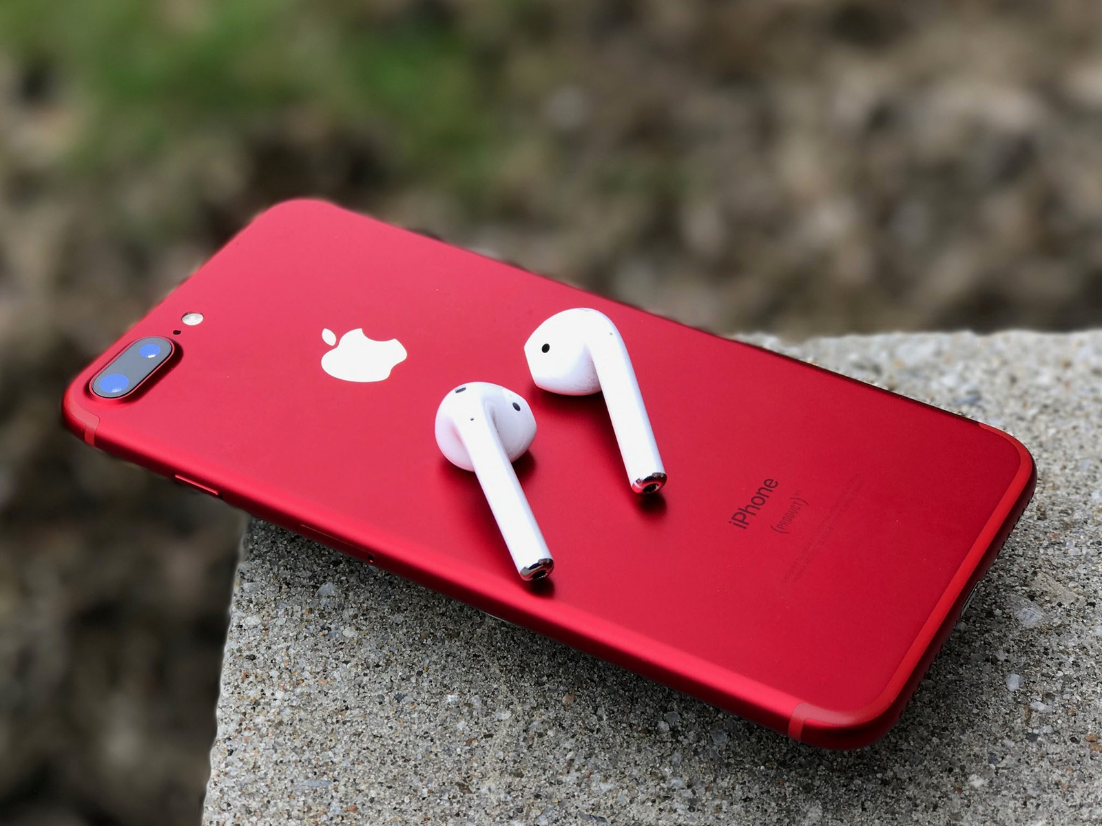 iphone-red-airpods