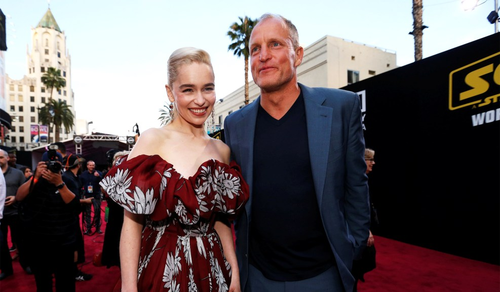Emilia Clarke (Qi'ra) и Woody Harrelson (Beckett)