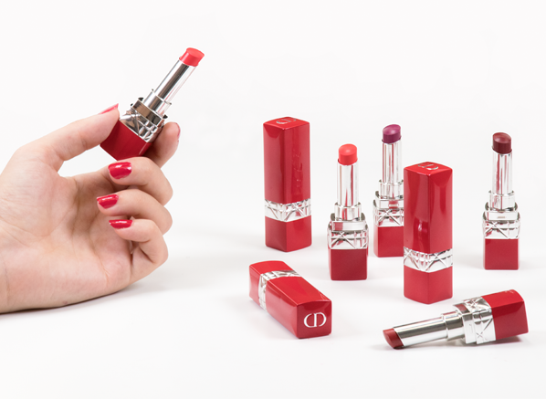 Dior-Rouge-Ultra-Rouge-Lipstick-Swatches-Main-Banner-Visual